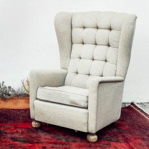 Armchair with Head Rester
